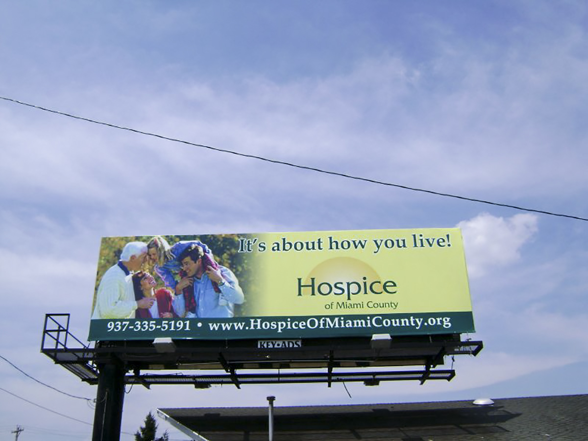 Bulletin displaying hospice of Miami County ad.